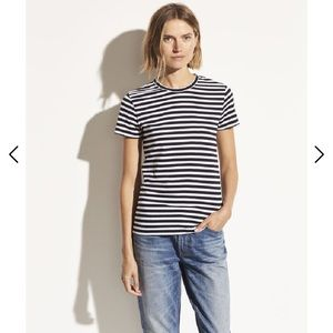 Vince Striped Essential Crew shirt